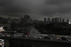 São Paulo, três horas da tarde: a noite chegou