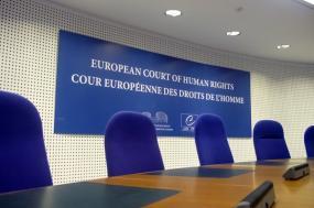 Pela primeira vez, o Tribunal Europeu dos Direitos Humanos condenou a Espanha por maus-tratos infligidos a presos