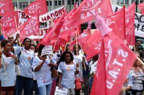Trabalhadoras e trabalhadores da limpeza industrial fazem greve de 24 h e manifestam-se em Lisboa