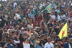 Comemoração da vitória das  Forças Democráticas da Síria em Kobane – Foto de ANF News
