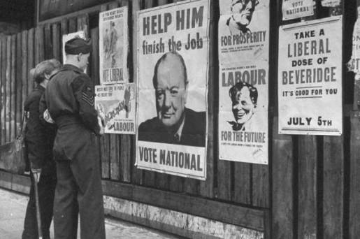 Cartazes da campanha eleitoral de 1945 no Reino Unido.