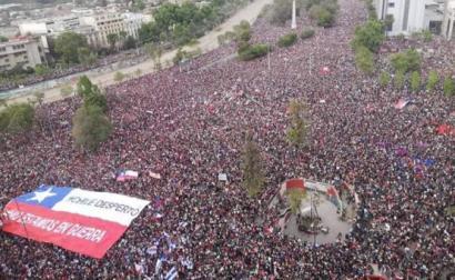 Manifestação com mais de um milhão de pessoas nas ruas de Santiago. Chile, outubro de 2019.