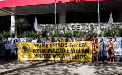 Afetados pelo colapso da barragem do Brumadinho protestam contra acordo entre estado de Minas Gerais e Vale. Foto de Movimento dos Atingidos por Barragens.