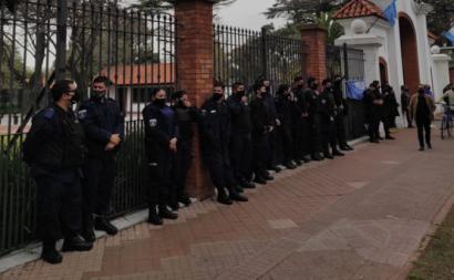 Polícia bonaerense faz cerco a residência presidencial