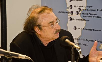Ignacio Ramonet em 2014 em entrevista ao MICSur. Foto de Fotos: Romina Santarelli / Ministerio de Cultura de la Nación Argentina/Flickr.