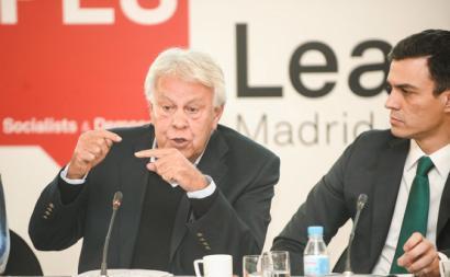 Felipe González e Pedro Sánchez em 2015.