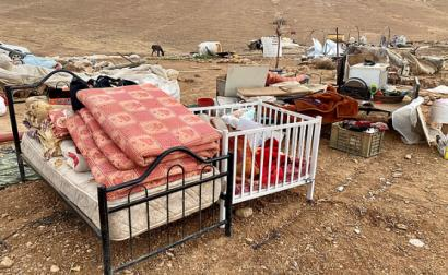 Israel deixa 41 crianças desalojadas depois de lhes destruir a aldeia