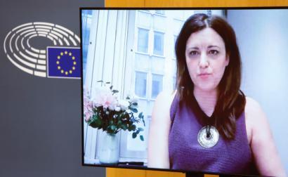 Marisa Matias na audição aos CEO das farmacêuticas no Parlamento Europeu.