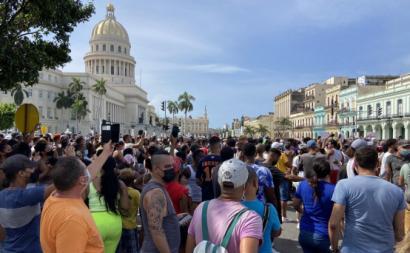 """O que aconteceu em Cuba desde 11 de julho de 2021 """"é também o resultado do desespero de uma sociedade que atravessa não só uma longa crise económica e uma crise sanitária pontual, mas também uma crise de confiança e uma perda de expectativas"""" - Foto publicada por Dean Luis Reyes/Facebook"""