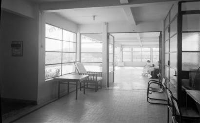 Instituto Português de Oncologia. Fotografia de Mário Novais/Biblioteca de Arte da Fundação Gulbenkian/Flickr.