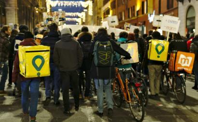 Trabalhadores de plataformas digitais manifestam-se pelos seus direitos. Bolonha. 2018.