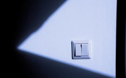 Interruptor sobre luz. Foto de Niklas Morberg/Flickr.