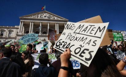 Manifestação greve climática estudantil.