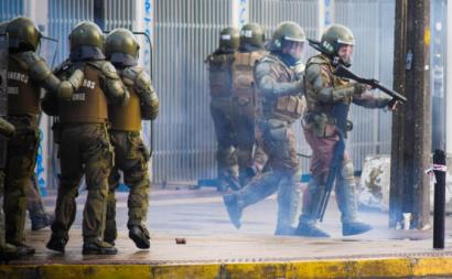Imagem da repressão policial a manifestações no Chile em novembro de 2019.