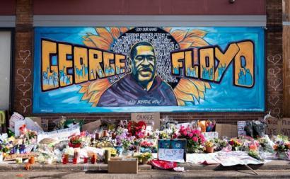 Mural em memória de George Floyd no Minesota.