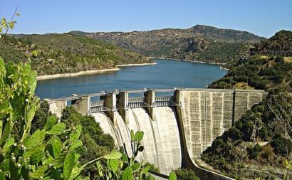 Barragem da Bemposta – Foto de Vitor Oliveira/wikipedia