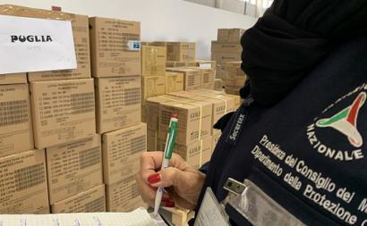 Proteção Civil italiana envia material para as regiões. Foto de Dipartimento Protezione Civile/Flickr.