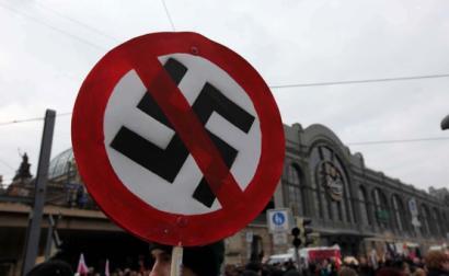 Manifestação anti-fascista. Dresden, 2002. Foto de T Rassloff/Flickr.