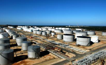Refinaria da Galp. Área de armazenagem de petróleo bruto. Foto: Galp.