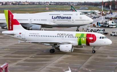 Aviões da TAP e da Lufthansa no aeroporto de Tegel. Berlim, 2017.