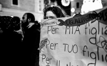 Manifestante contra Salvini. Dezembro de 2019. Itália.