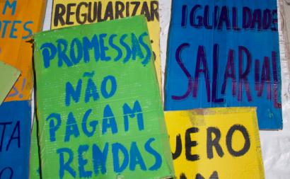 Cartazes contra a precariedade. Foto dos Precários Inflexíveis.