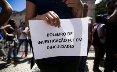 Trabalhadores científicos protestam esta sexta-feira às 14h, em frente ao ministério da Ciência – Foto de precarios.net