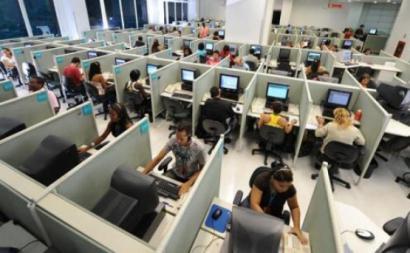 Trabalhadores de call center convocam greve para 31 de outubro