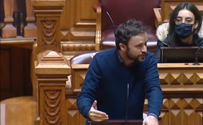 José Soeiro no debate na Assembleia da República