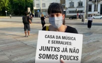 Foto do protesto junto à Casa da Música