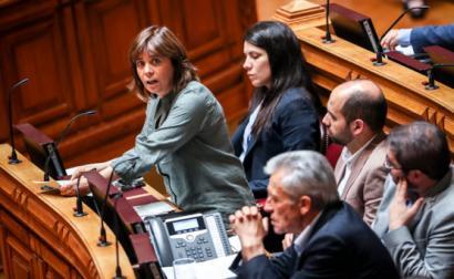 Catarina Martins no debate quinzenal com o primeiro-ministro. Foto de José Sena Goulão/Lusa