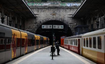 Estação de S. Bento no Porto, comboios parados num dia de greve nacional – Foto de José Coelho/Lusa (arquivo)