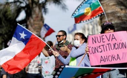 """Face a um presidente Piñera desmoralizado, """"sim"""" a uma nova Constituição e Constituinte venceu com quase 80%. Foto de Jose Pereira."""