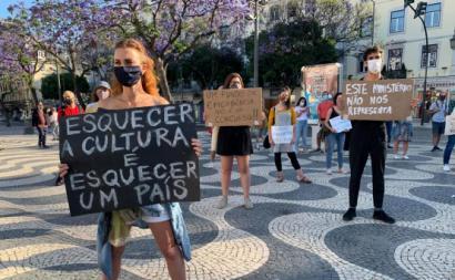 Manifestação de trabalhadores do setor da cultura em Lisboa. Fotografia de esquerda.net.