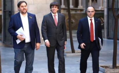 """Suspensão da independência """"era uma armadilha"""" de Madrid, diz Puigdemont"""