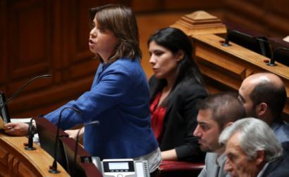 Catarina Martins durante o debate sobre o Estado da Nação, o último sobre o estado da nação na presente legislatura. Foto de MANUEL DE ALMEIDA/LUSA