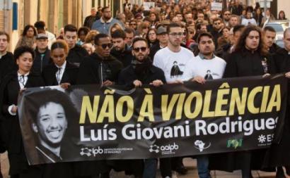 Marcha silenciosa em homenagem a Luís Giovani, estudante cabo-verdiano assassinado em Bragança. Janeiro de 2020.