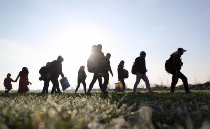 Milhares de pessoas tentam chegar à Europa.