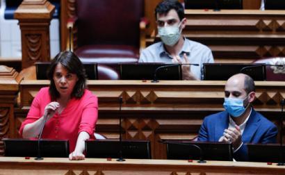 Catarina Martins no debate quinzenal desta quinta-feira.
