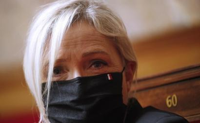 Marine Le Pen, líder do partido de extrema-direita União Nacional no parlamento francês. Foto de YOAN VALAT/EPA/Lusa.
