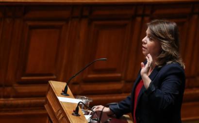 Catarina Martins no debate com o Primeiro-Ministro. Foto de Mário Cruz.