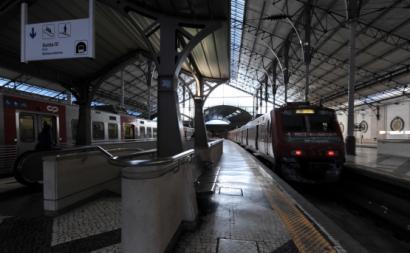 Comboio na estação do Rossio. Foto de Paulete Matos.