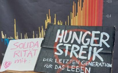 Cartaz de solidariedade com greve de fome pelo clima realizada em Berlim. Foto de @hungerstreik21/Twitter.