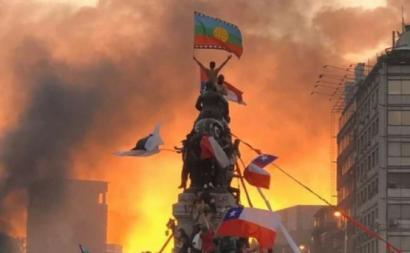 Manifestantes em Santiago do Chile. Outubro de 2019.