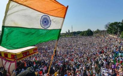 Camponeses indianos em manifestação. Foto de @meeetgill/Twitter.