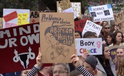 Manifestação pró-escolha. Foto de Factivists/Twitter.