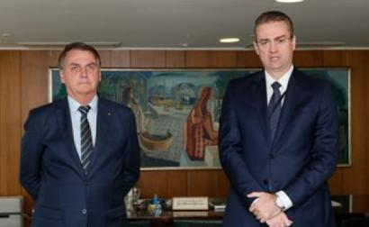 Bolsonaro a nomear Rolando Alexandre de Souza. Fonte @planalto/twitter.
