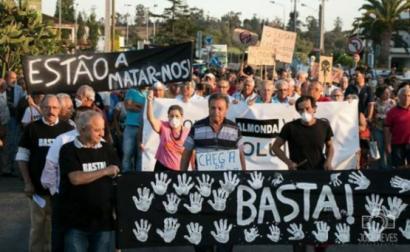 Manifestação da população de Torres Novas pelo encerramento da Fabrióleo – foto mediotejo.net