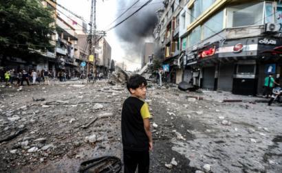 Omar al-Mukhtar, bairro de Gaza, depois de ser atingido por ataques aéreos israelitas, em 12 de maio – Foto de Mohammed Zaanoun ActiveStills, publicada por Electronic Intifada