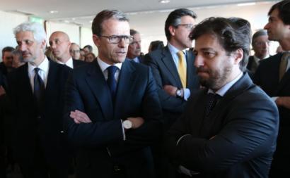 Depois de Alberto da Ponte ser demitido por Miguel Poiares Maduro (à direita) através do CGI presidido por António Feijó (à esquerda), é nomeado Gonçalo Reis (ao centro), ex-deputado e ex-vereador do PSD.